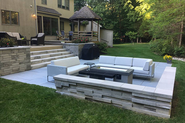 backyard patio and fire pit fireplace loudoun va